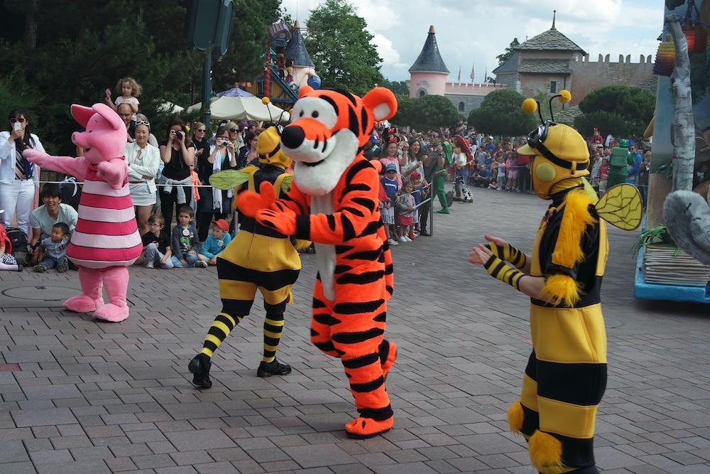 Parade Winnie & friends Disneyland Paris - alextrends